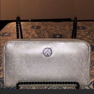Tory Burch Silver Leather Continental Wallet